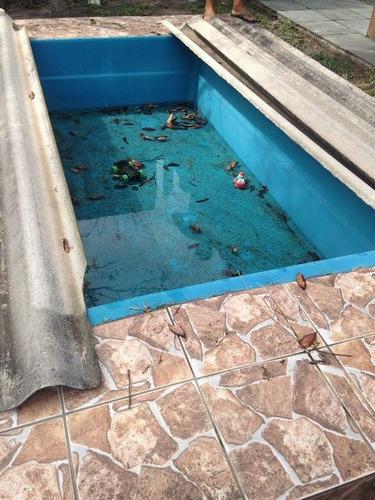 linda casa com piscina em itanhaém jd. jamaica ótimo preço.