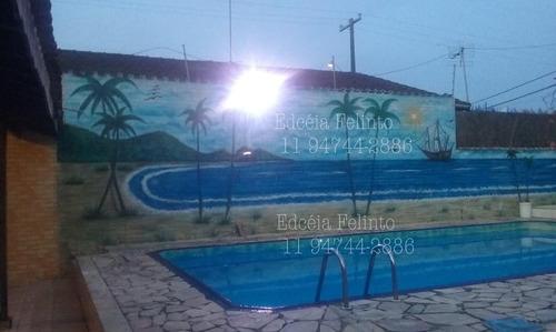 linda casa com piscina em mongaguá