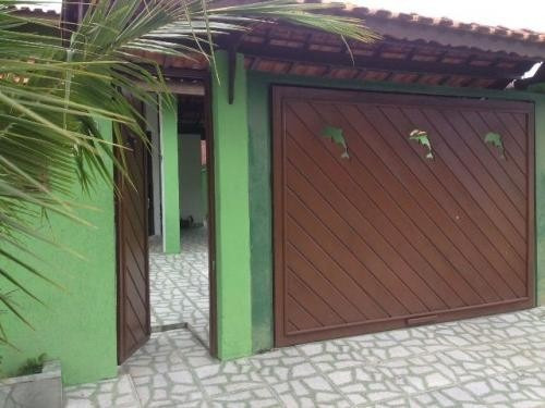 linda casa com piscina lado praia, com suíte!!!
