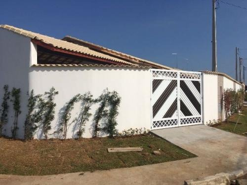 linda casa com piscina, no balneário tupy, em itanhaém