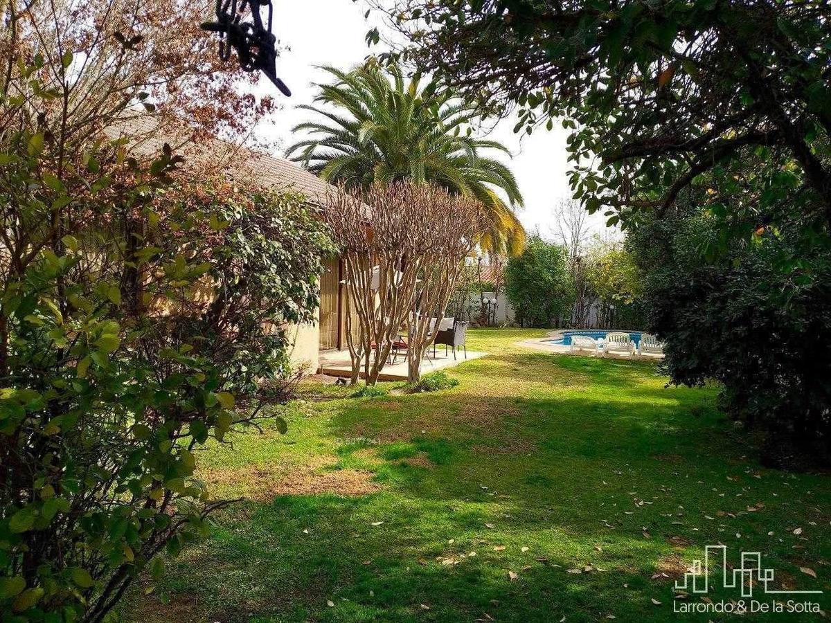 linda casa con espectacular jardín - plaza ossandón