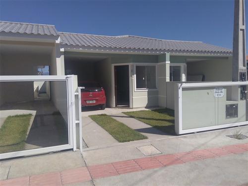 linda casa de 2 dorm. com garagem coberta  