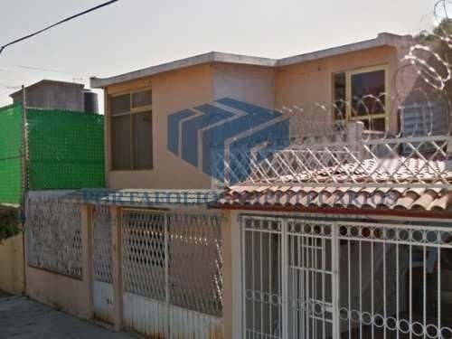 linda casa de 2 plantas con 3 recamaras en cumbria !!
