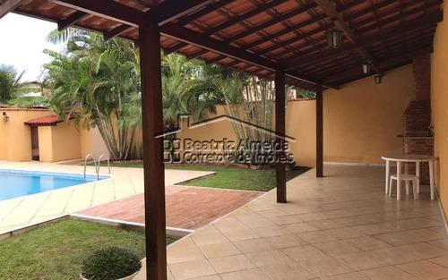 linda casa de 4 quartos em itaipu - niterói
