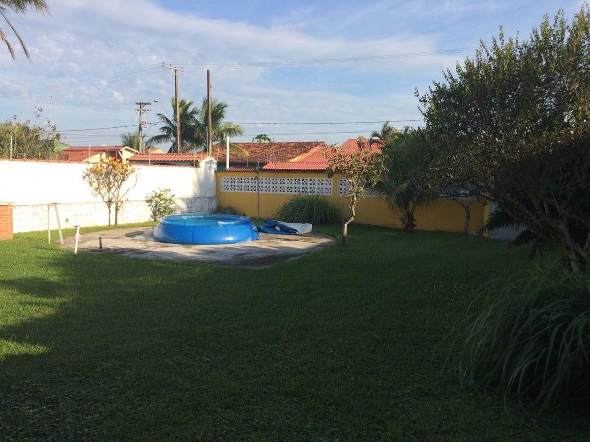linda casa de praia, ampla, 3 dorm, apenas 300 metros do mar