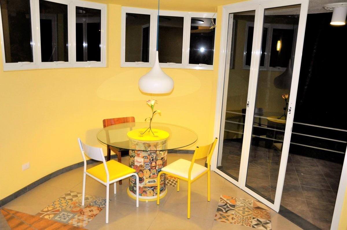 linda casa diferenciada, 2 súites, area gourmet e muito mais