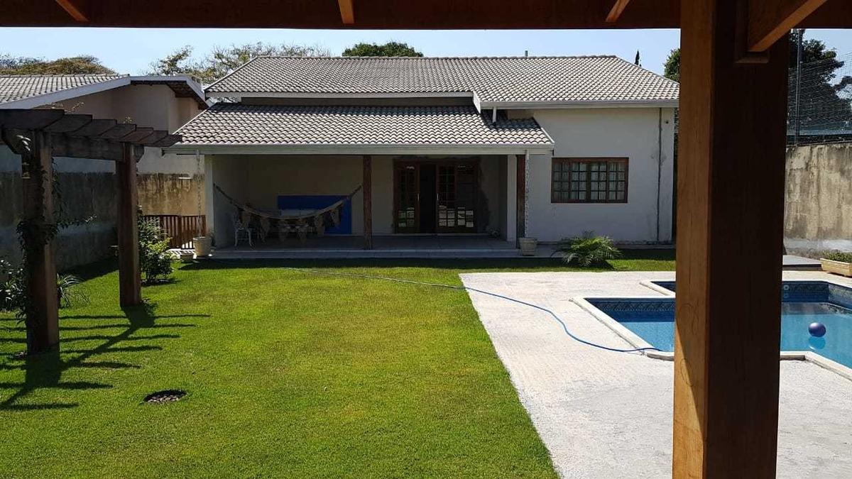 linda casa em atibaia região da jeronimo de camargo