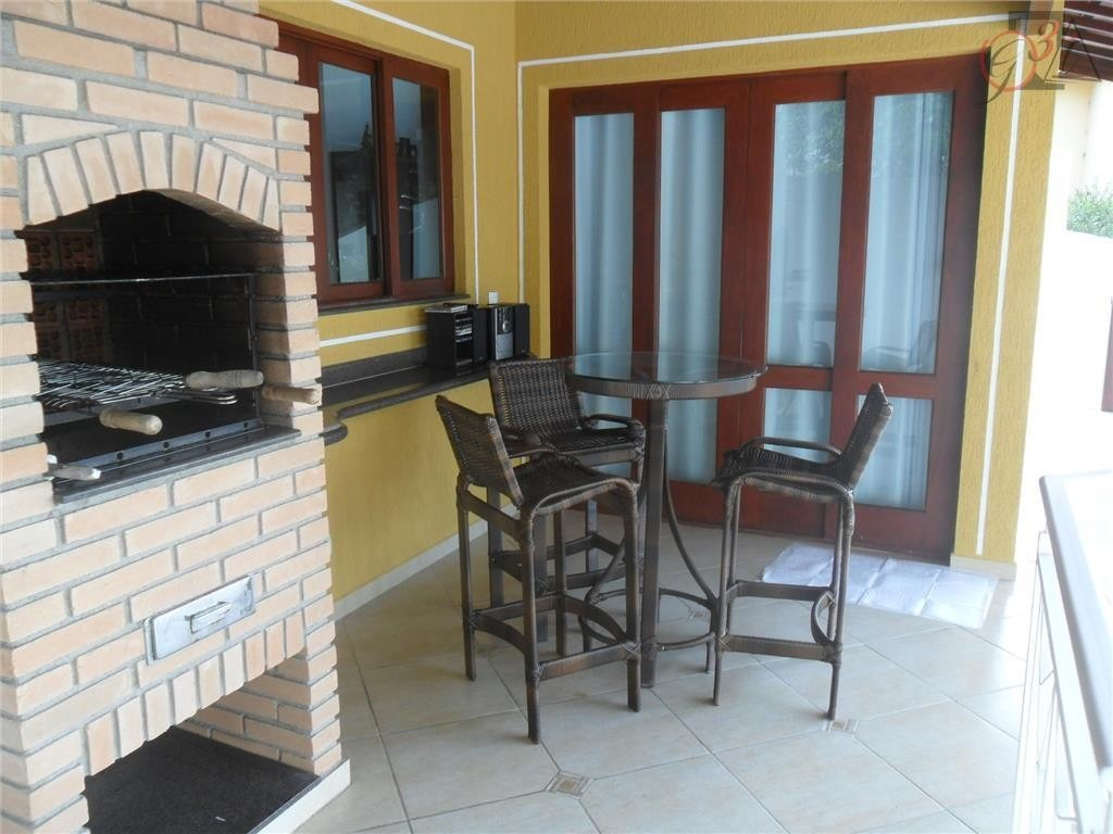 linda casa em condomínio em cotia. ref 76640