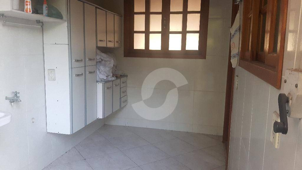 linda casa em condomínio no badu - ca1165
