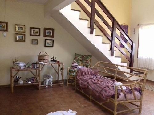 linda casa em peruíbe com 3 quartos, excelente bairro!