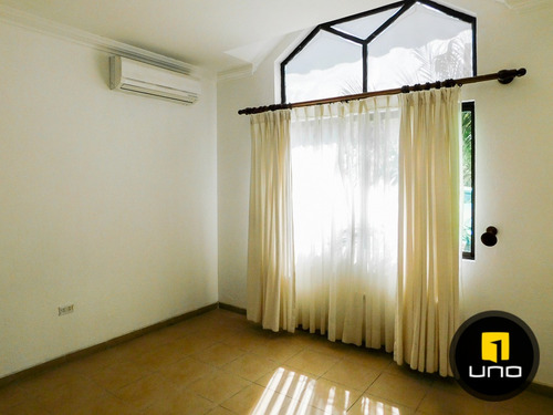 linda casa en alquiler en condominio privado