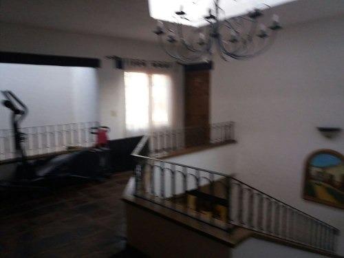 linda casa en colinas del cimatario, 3 recámaras 3 baños, t. 260 m2 c. 400 m2