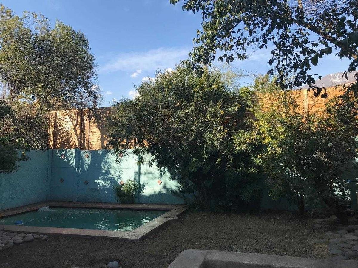 linda casa en condominio con piscina...........en la