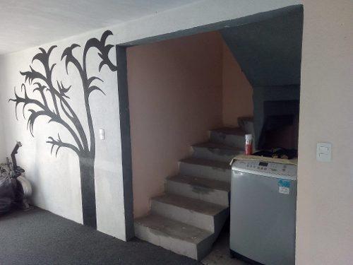 linda casa en condominio de dos niveles