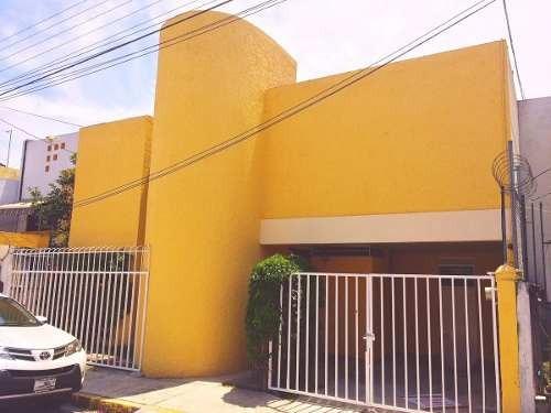 linda  casa  en condominio en venta