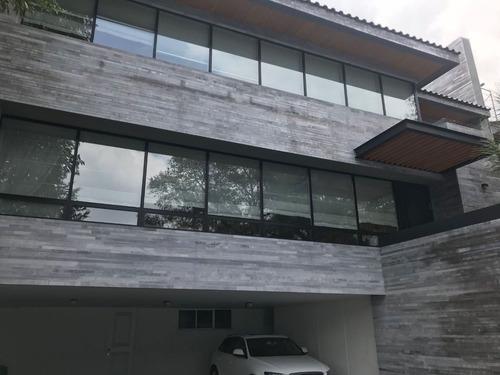 linda casa en conj recien remodelado