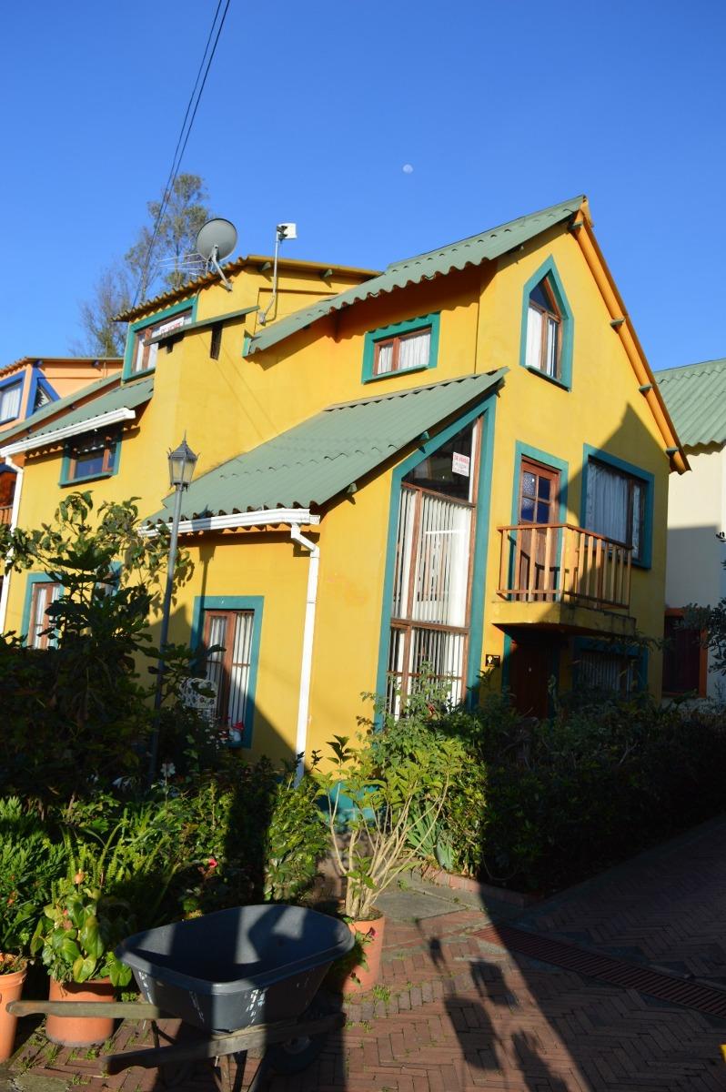 linda casa en el pueblo de tenjo ¡gran remate!