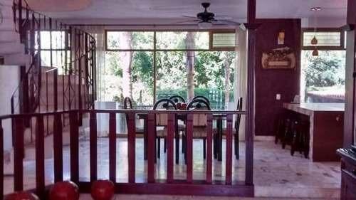 linda casa en las cañadas con alberca en venta (452)