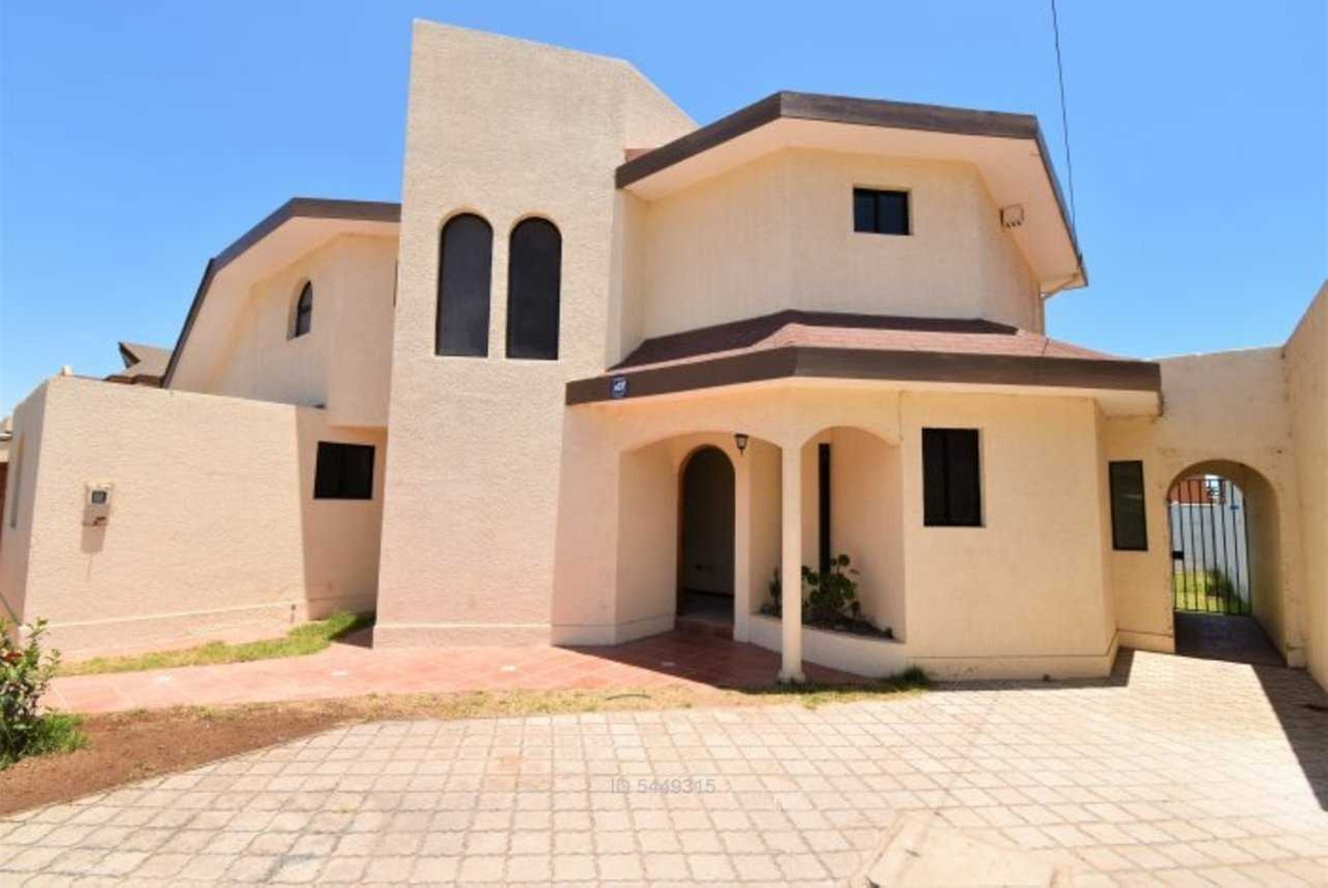 linda casa en san joaquín