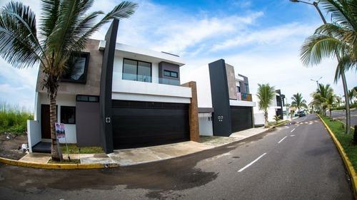 linda casa en venta para estrenar climatizada en playas del