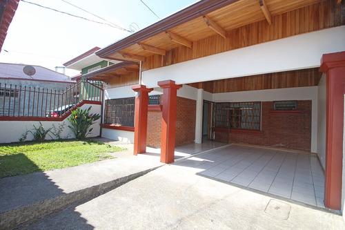 linda casa en venta x ayarco, tres ríos (nhp-454)
