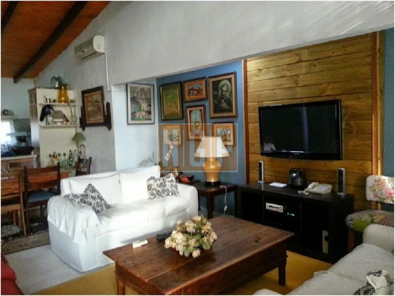 linda casa en zona muy tranquila!acepta permuta por apartamento en montevideo o buenos aires-ref:21274