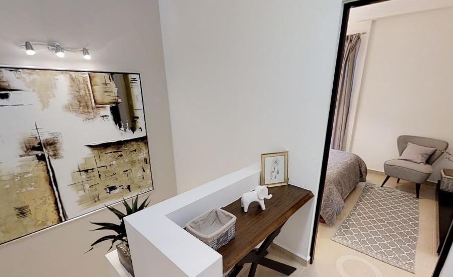 linda casa entre el refugio y zibata, 3 recamaras, una en pb, 3 baños, alberca