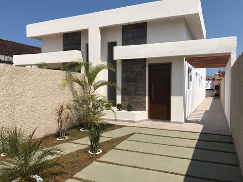 linda casa ficando lado praia à 800 metros do mar ,confira!!