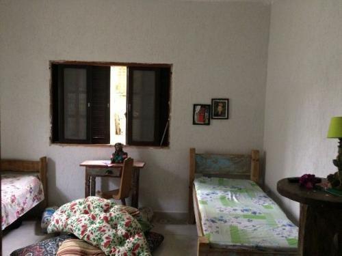 linda casa lado praia, 2 dorm, 700 metros do mar, itanhaém
