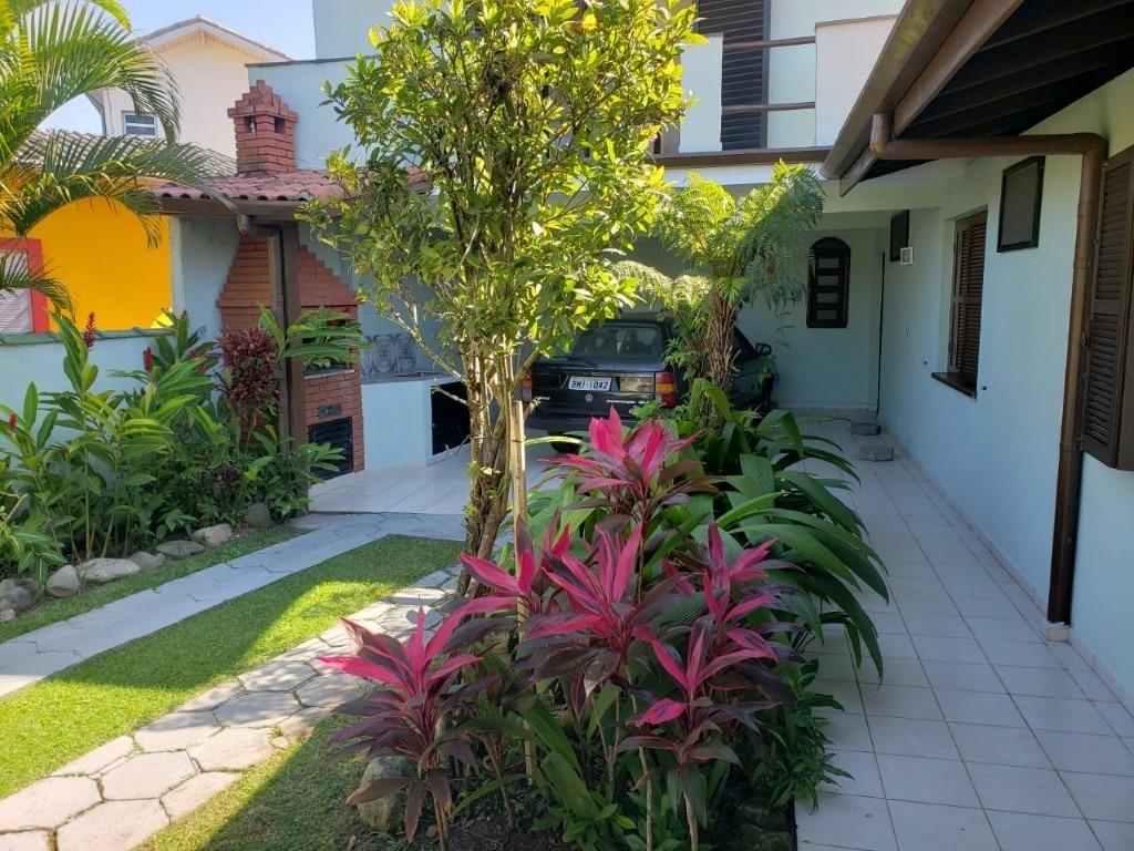 linda casa mobiliada á venda em itanhaém!! ref. ca0047