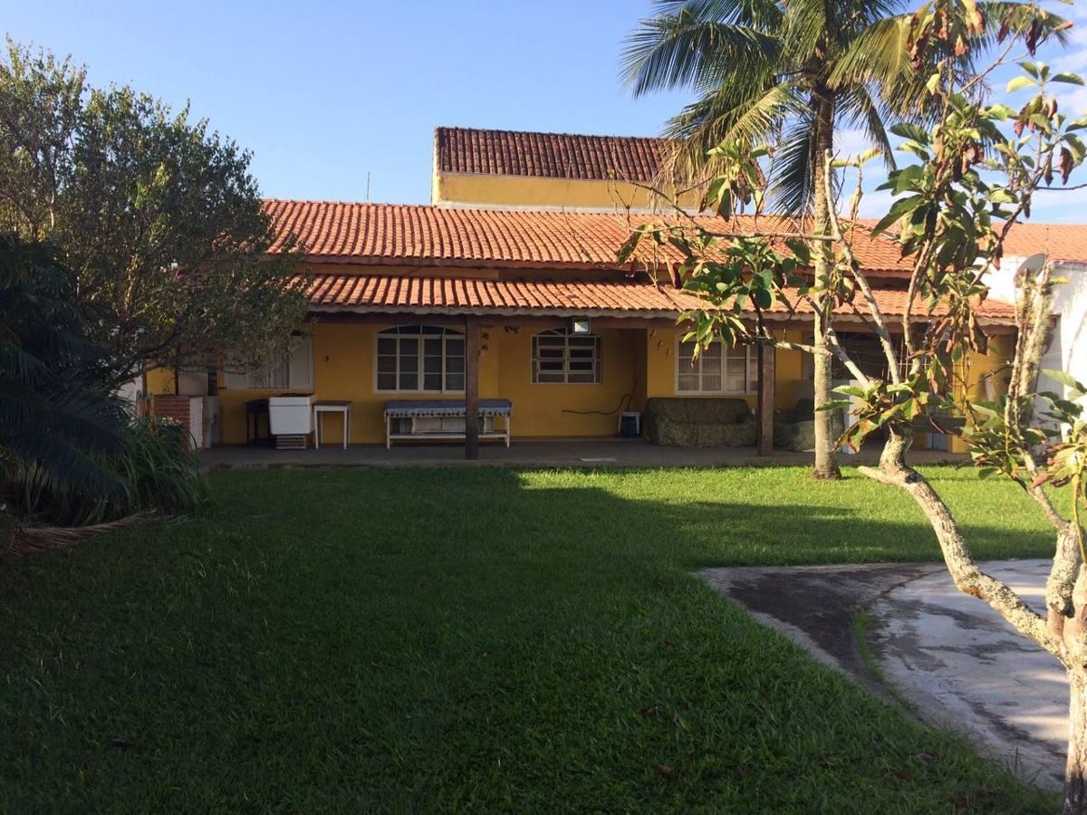 linda casa na praia de itanhaém, a 300m do mar, com 3 dorm!