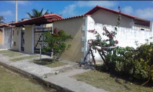 linda casa no balneário santa julia, em itanhaém