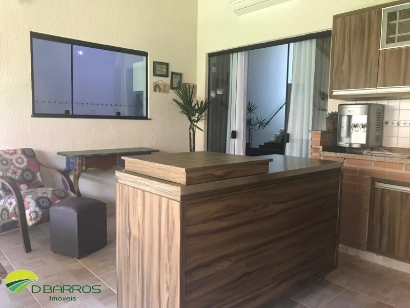 linda casa no conde1 - 4 dorms ( 1 suite ) - toda com planejados - ar condicionado nos dorms e sala - manta termica no telhado - area gourmet. - 4535 - 34210944