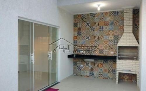linda casa no condomínio terras da vale com acabamento diferenciado