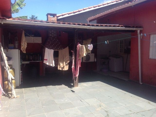 linda casa no jardim luizamar, em itanhaém.