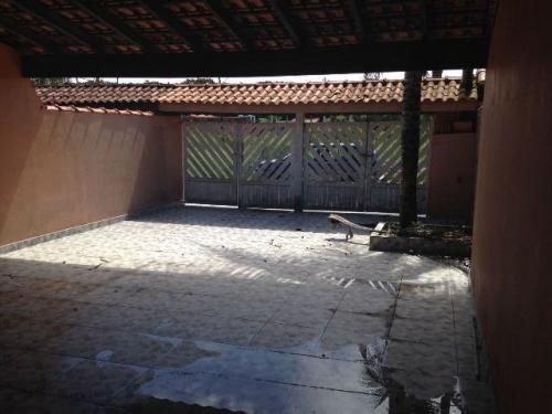 linda casa no jardim são joão, em itanhaém! 2 dormitórios!!!