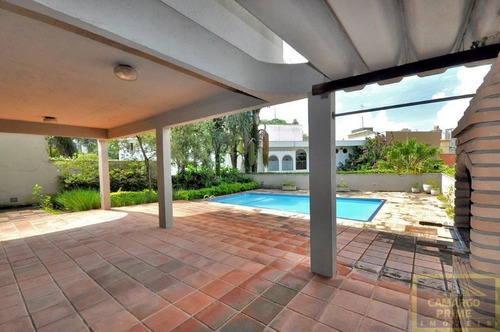 linda casa no pacaembú com 4 dormitórios, 2 suítes, 10 vagas! - eb83348