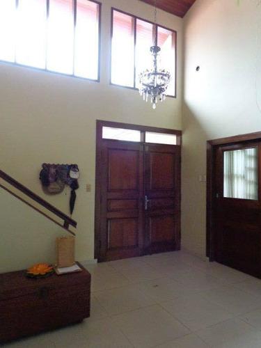 linda casa + oficinas sobre avenida y en esquina en venta