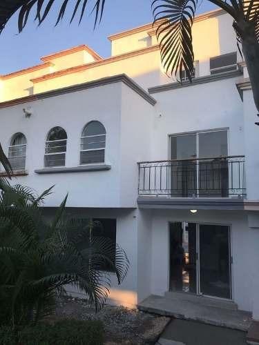linda casa remodelada 4 habitaciones en venta **cancun sm 47** c2247