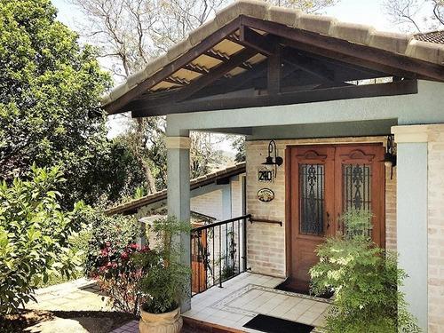 linda casa rustica, 4 súites, toda planejada.. aproveite!!