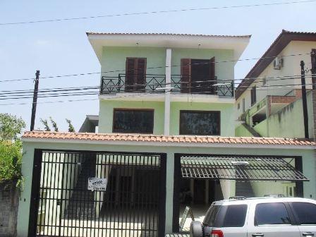 linda casa semi-isolada. são 3 suítes. nicole/elaine 655