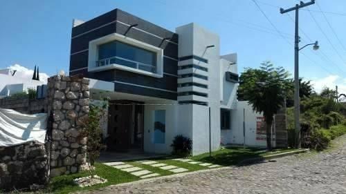 linda casa sola puedes comprar mas terreno