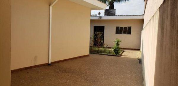 linda casa térrea a venda ao lado do shopping. ref 80107