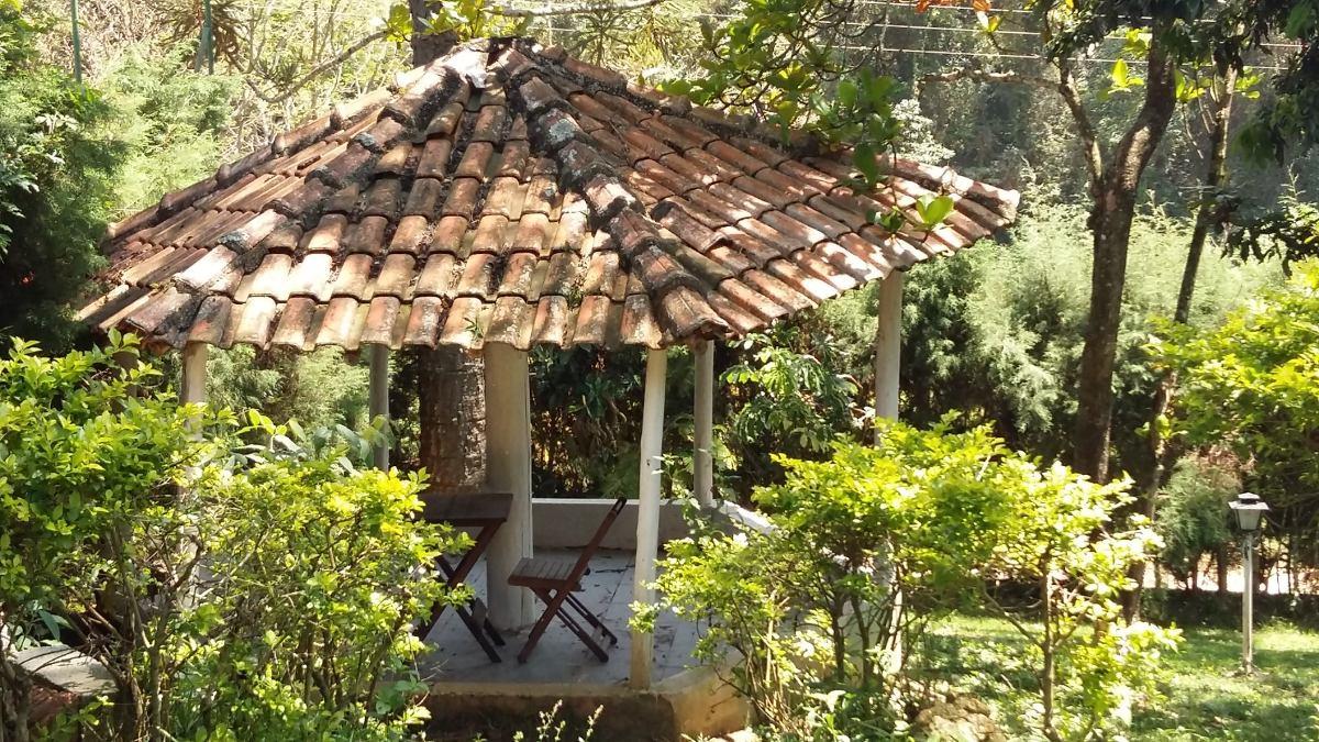 linda chácara, casa sede com 2 dormitórios, área de 2.000 m²