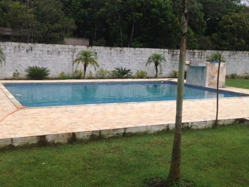 linda chácara com 4 quartos e piscina! itanhaém-sp, confira!