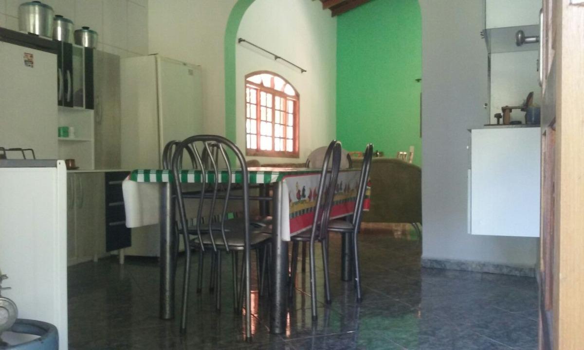 linda chácara com área de 3.800 m², casa com 3 dormitórios !