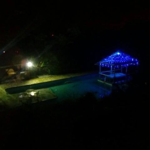 linda chácara com bela piscina!!