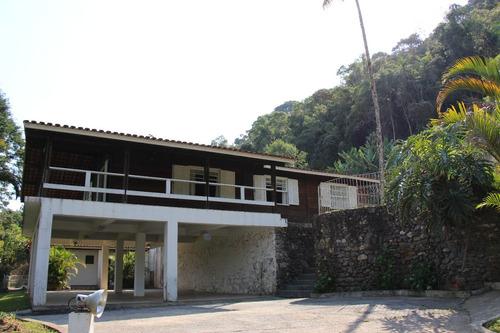 linda chácara com casa pré fabricada piscina e lago