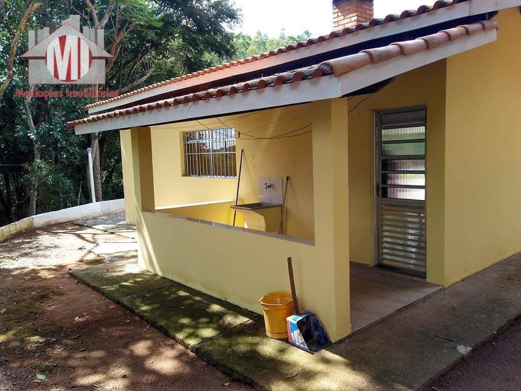 linda chácara com escritura, lago, piscina, baia, arborizada com 02 dormitórios à venda, 3687 m² por r$ 320.000 em pinhalzinho/sp - ch0095
