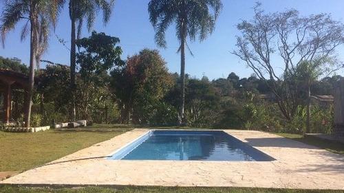 linda chácara com piscina 3949